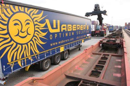 Vasúti szerelvények bevonásával erősít a Waberer's