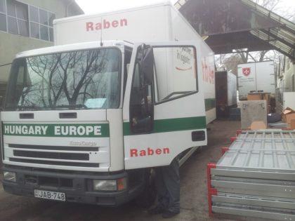 A segítségre szorulóknak bútorokat adományozott a Raben
