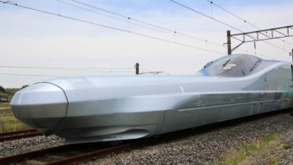 A világ egyik leggyorsabb vonatát tesztelik