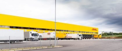Logisztikai központot avatott a DHL