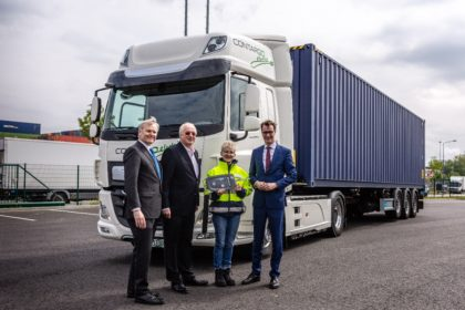 Tisztán elektromos hajtású kamionokat adott át a DAF Trucks