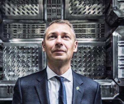 Az összecsukható logisztikai tárolók következő generációja – interjú Ludo Gielen-el, a Schoeller Allibert CEO-jával