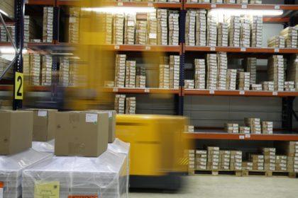 Belső logisztika fejlesztése okos AGV megoldásokkal a logisztika napján