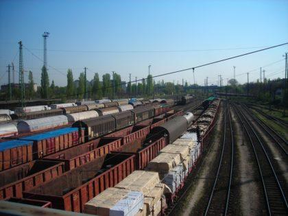 Logisztikai szolgáltatók: a közúti áruforgalom 5-10 százalékát a vasútra lehetne terelni