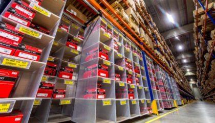 Storeganizer: A slim fit – gördíthető függőpolcos raktározási megoldás