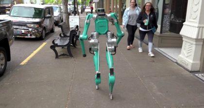 Csomagkézbesítés robottal
