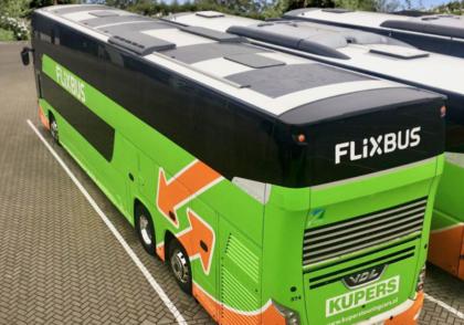 Szolár szőnyeg segíti a busz energiaellátását
