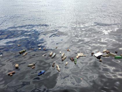 Az óceánokat szennyező műanyag egy része a szárazföldön landol