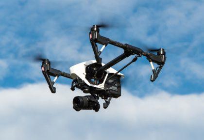 Mégsem vezetik be júliusban a drónszabályozási rendeletet