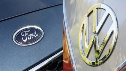 Közös önvezető projektbe kezd a Ford és a Volkswagen