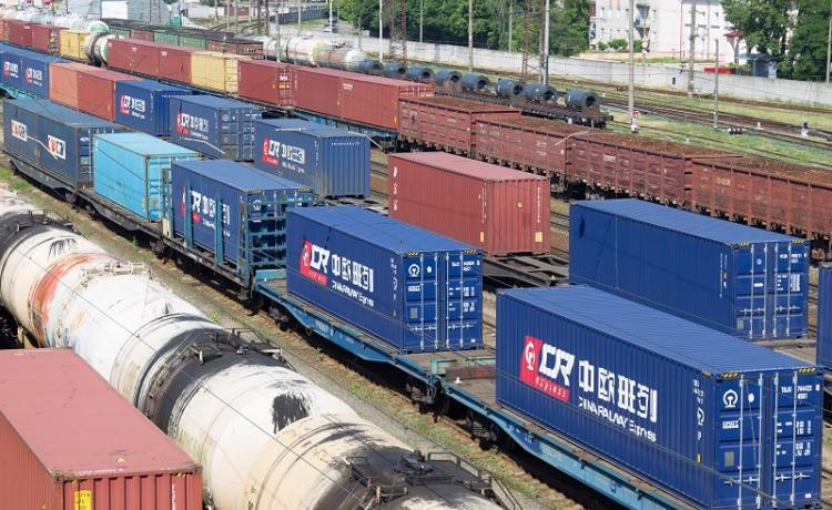 vasúti áruszállítás Kínából