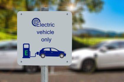 Az új EU-stratégiát követő autóipari nagyvállalatok kezdeményezései a karbonsemleges jövőért
