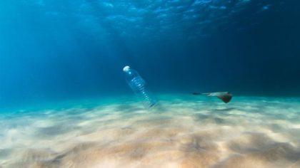 Műanyag hulladékból divatcikk