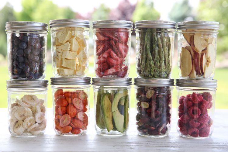 lifolizált élelmiszer üvegben