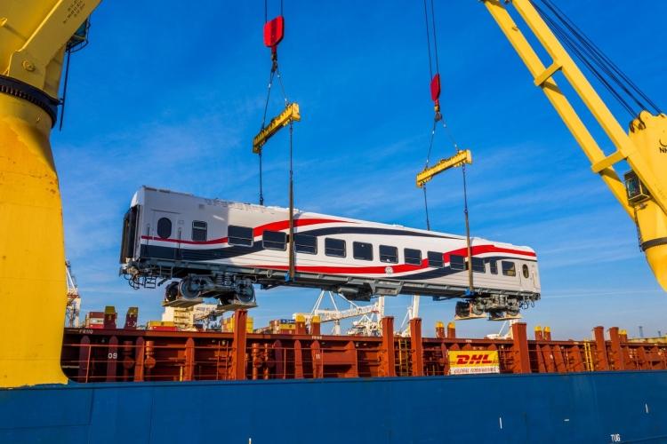 vasúti kocsi szállítás