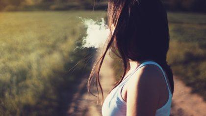 Januártól egységes csomagolást kapnak a cigarettadobozok