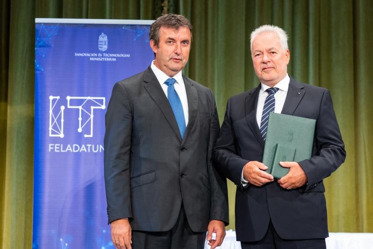 díj kitüntetés Dr. Palkovics László Fülöp Zsolt