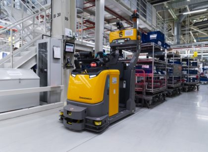 """Audi Hungaria: """"okos logisztika"""" vezető nélküli szállítórendszerrel"""