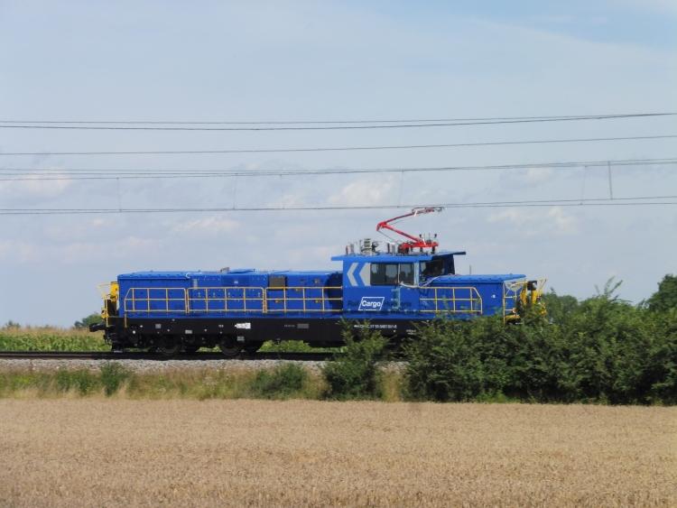vonat sínpár felsővezeték